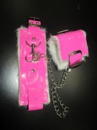 BDSM Ροζ δερμάτινες χειροπέδες με γούνα για χέρια/πόδια