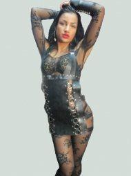 BDSM Γυναικείο φόρεμα από δέρμα με μεταλλικούς κρίκους