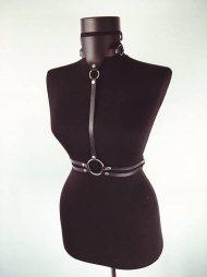 BDSM Δερμάτινο γυναικείο τοπ με τριγωνικό περιλαίμιο