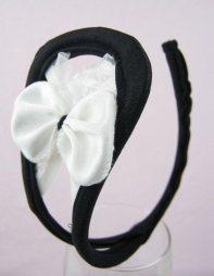 Γυναικείο c-string με φιόγκο σε μαύρο-άσπρο